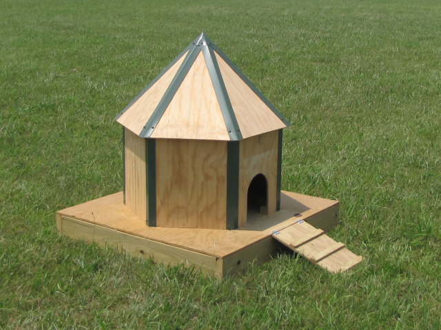 Waterfowl housing for Duck shelter designs