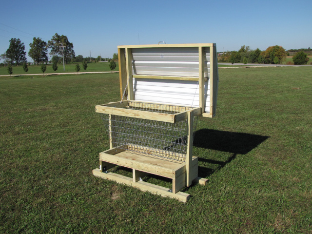 Mini Feed Bunk W Cover